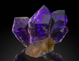 amethyst chrystal gemsone
